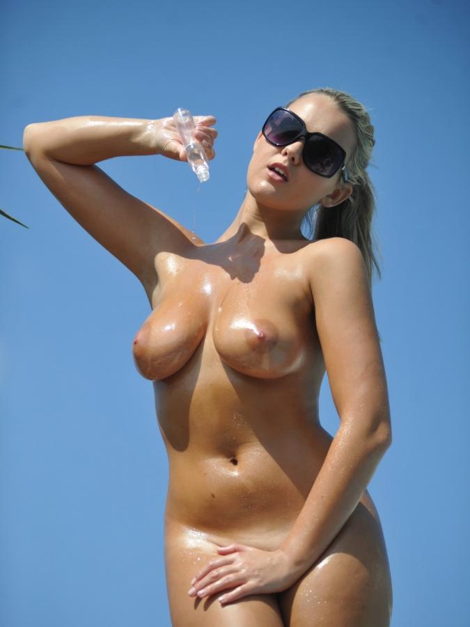 Paris Hilton Nude Nude